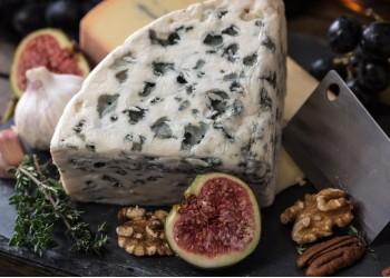 Guia de harmonização para queijos e embutidos
